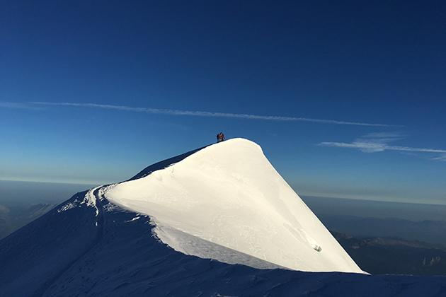 escalado llegando a la cima