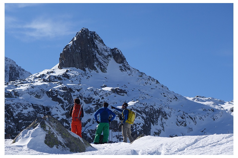 beautiful picture of tuc de pòdo taken from estanh deth cap de colomèrs during a break of the ski day