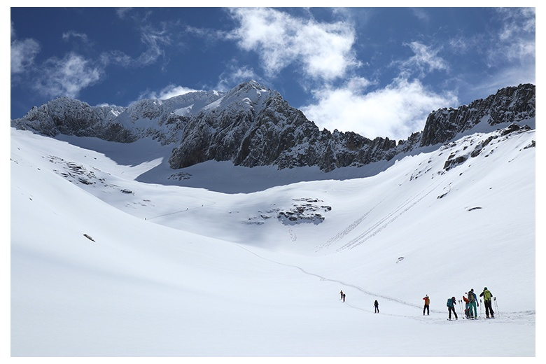 group of skiers at the aneto glacier on their ascent to the aneto summit